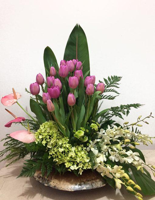 nido de tulipanes y oqruideas